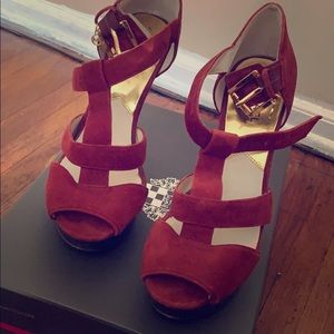 Fairly new condition cute MK suede heels!